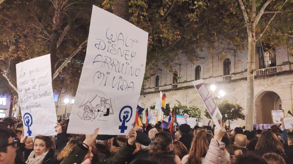manifestacion-sevilla-leyes en materia de igualdadgema-valencia